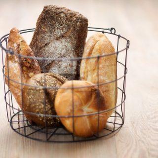Start de dag met een uitgebreid ontbijt met broodjes van de ambachtelijke bakkerij! Zien we je straks? 🥐🥪🥖 ##komtvoordebakker #bakker #bakkervanroon #bakkerij #brood #broodbakken #patisserie #bakken #delft #gebak #contactloosbrood #samenwerking #ambachtelijk #weetwatjekoopt #versbrood #samensterk #winkel #online